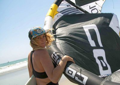 kitesurf-girl-mancora-peru